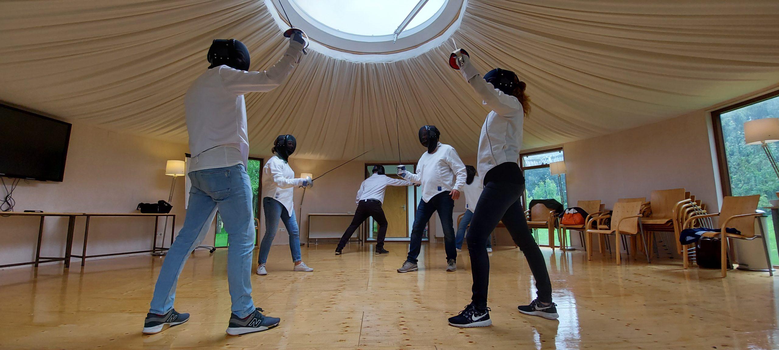 workshop in de yurt over ons